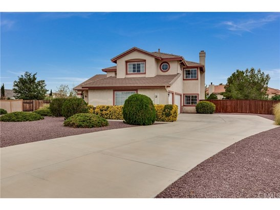 Single Family Residence - Apple Valley, CA (photo 3)