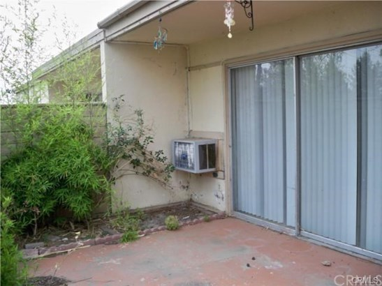 Condominium - Riverside, CA (photo 4)