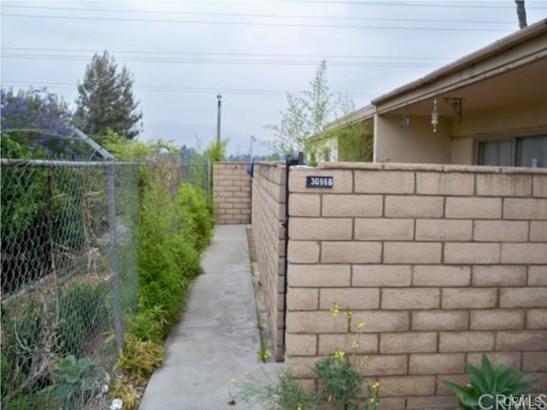 Condominium - Riverside, CA (photo 5)