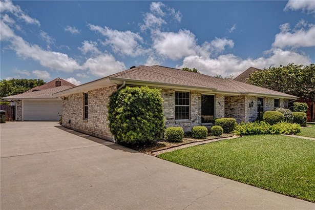 Traditional, Detached - Corpus Christi, TX (photo 3)