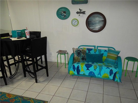 Condo, Contemporary - Corpus Christi, TX (photo 5)