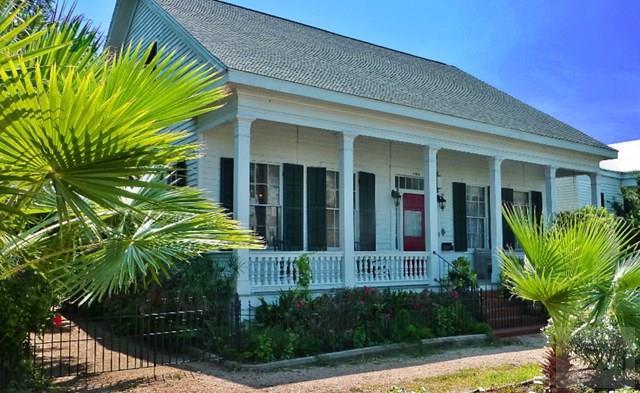 1309 Broadway Street, Galveston, TX - USA (photo 1)