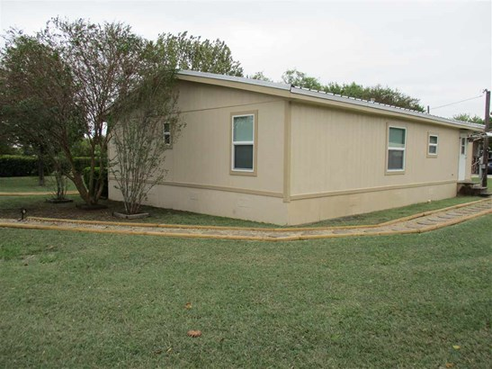 126 Soules Cir, Eddy, TX - USA (photo 3)