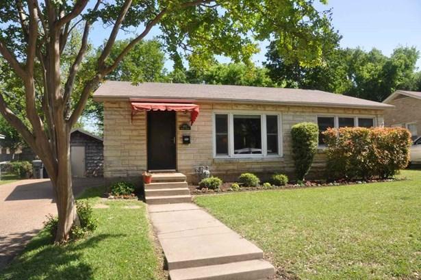 4512 Athens Ave, Waco, TX - USA (photo 1)