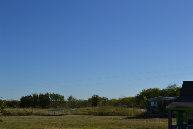 706 Casey Rd, West, TX - USA (photo 3)
