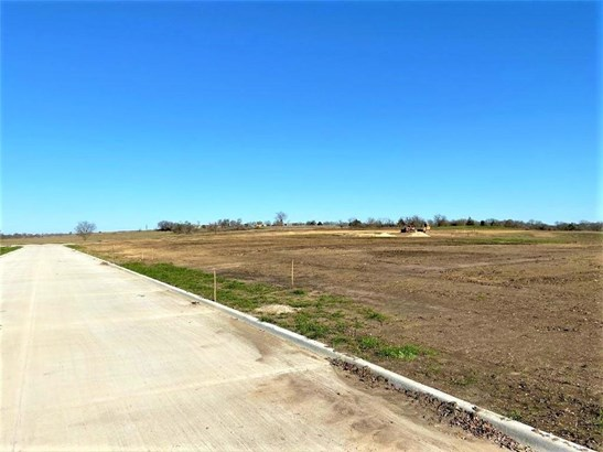 Improved Residential - Riesel, TX