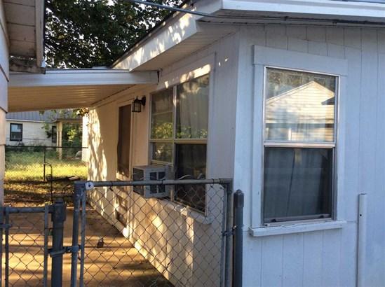 919 S Adams, Mcgregor, TX - USA (photo 3)