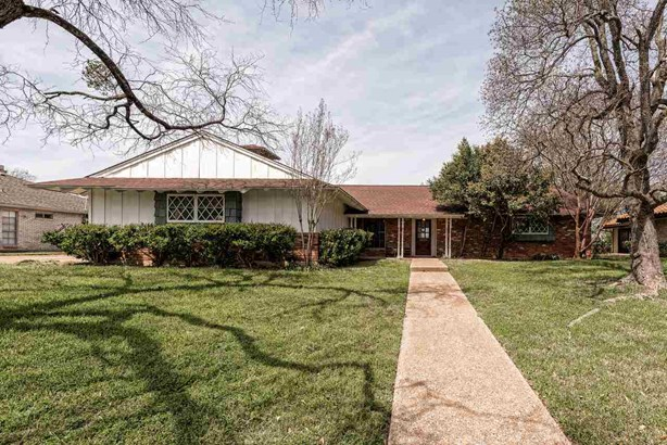 8225 Forest Ridge Dr, Woodway, TX - USA (photo 1)