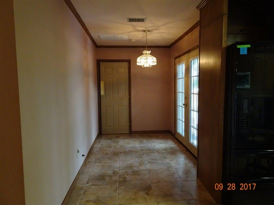 612 W Highland Dr, West, TX - USA (photo 4)