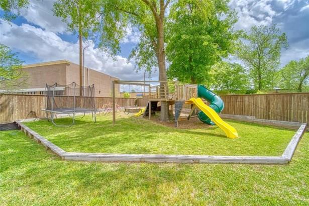 Traditional, Single-Family - Kingwood, TX