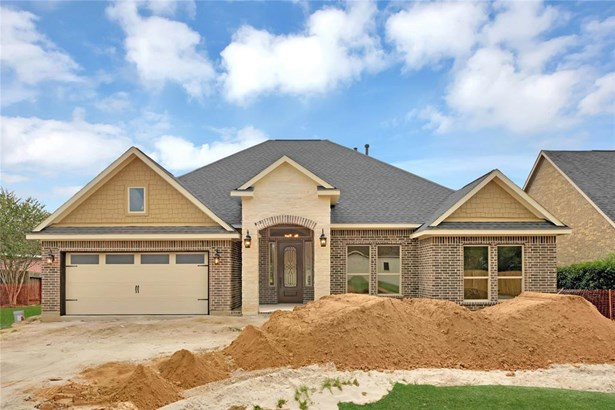 Traditional, Single-Family - Needville, TX