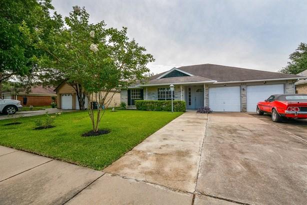 Traditional, Single-Family - Houston, TX