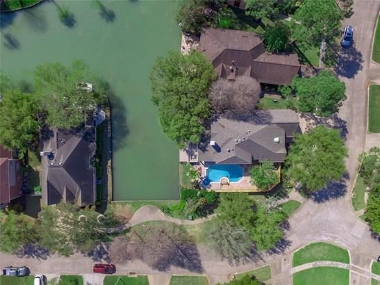 1203 Misty Lake Ct, Sugar Land, TX - USA (photo 2)