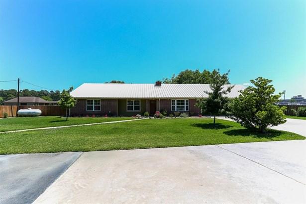 6007 Sjolander Rd, Baytown, TX - USA (photo 2)