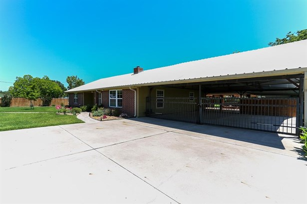 6007 Sjolander Rd, Baytown, TX - USA (photo 3)