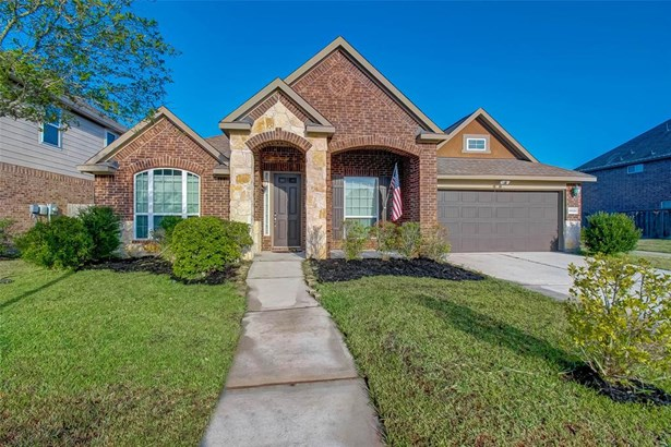 Traditional, Single-Family - Spring, TX