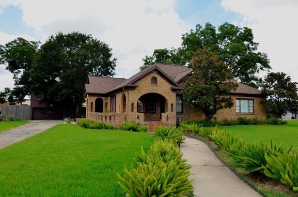 Traditional, Single-Family - Stafford, TX