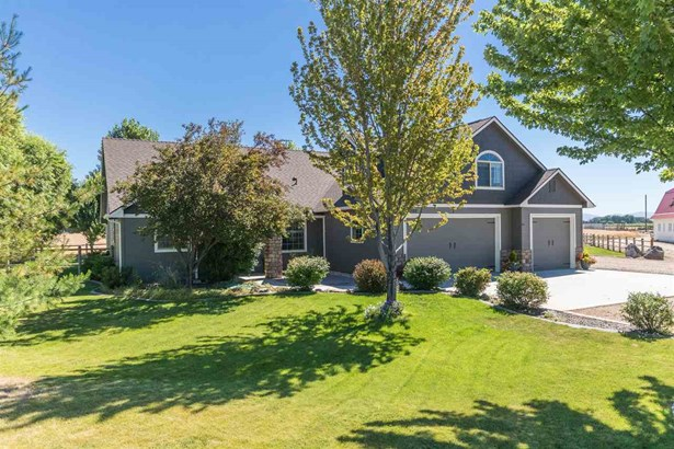 Single Family w/ Acreage - Middleton, ID