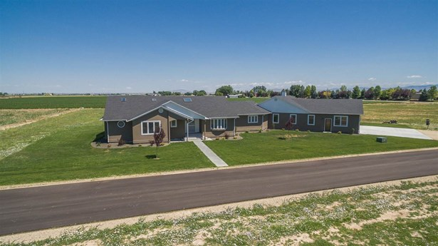 Single Family w/ Acreage - Nampa, ID (photo 2)
