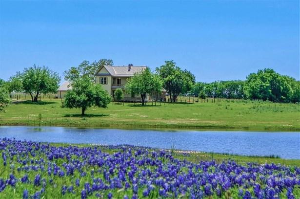 4979 Fm 2502, Bleiblerville, TX - USA (photo 1)