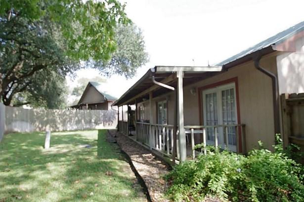 867 Tangle Oaks, Bellville, TX - USA (photo 2)