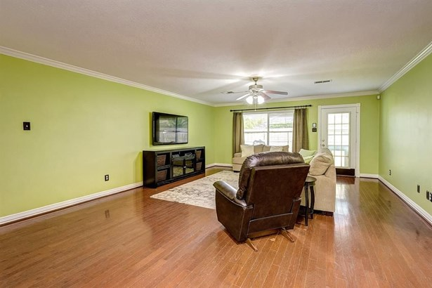 2117 Tower Bridge, Pearland, TX - USA (photo 2)