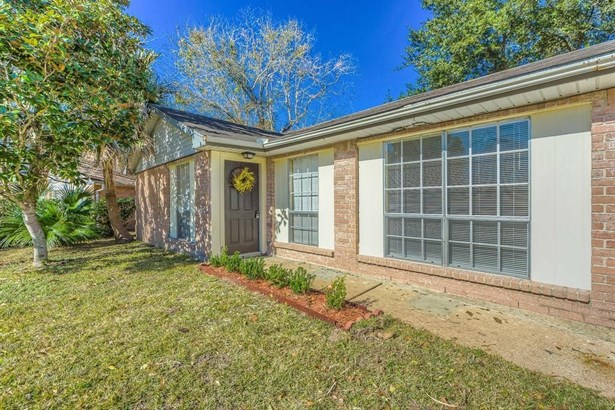 3015 Helmsley, Pearland, TX - USA (photo 2)