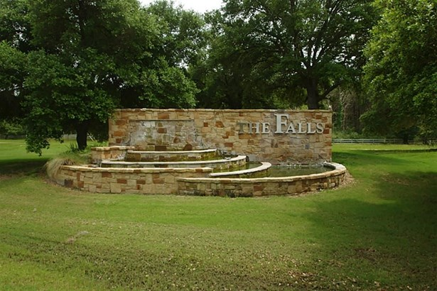 19 North Falls, New Ulm, TX - USA (photo 2)