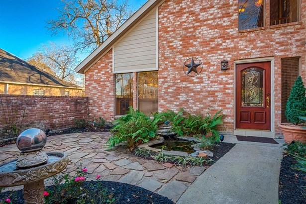 1019 Chateau Woods Parkway, Conroe, TX - USA (photo 3)