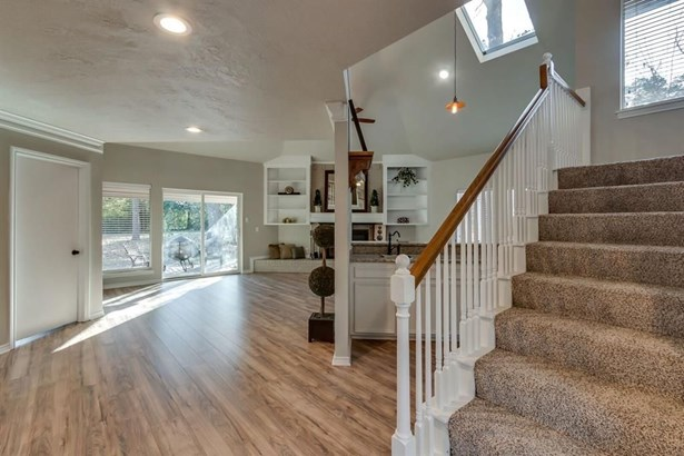 1019 Chateau Woods Parkway, Conroe, TX - USA (photo 5)