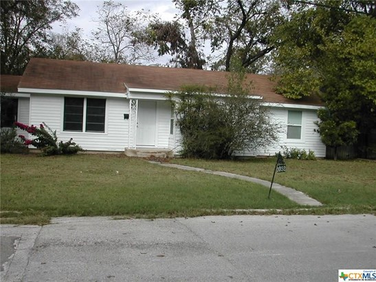 1052 E Elm St, Seguin, TX - USA (photo 1)