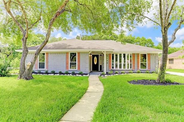5130 Whittier Oaks, Friendswood, TX - USA (photo 1)