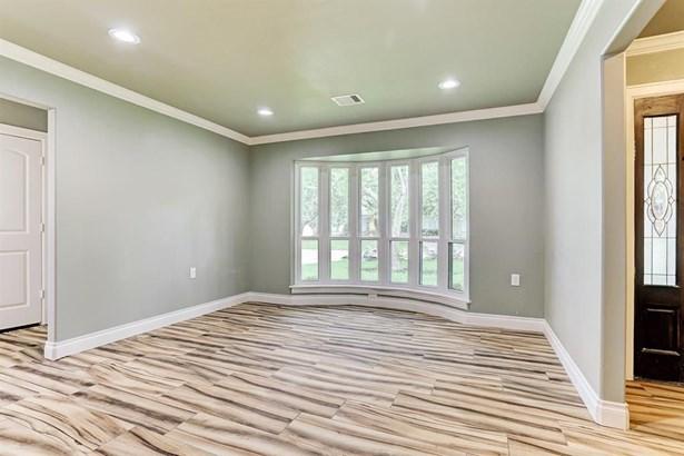 5130 Whittier Oaks, Friendswood, TX - USA (photo 2)