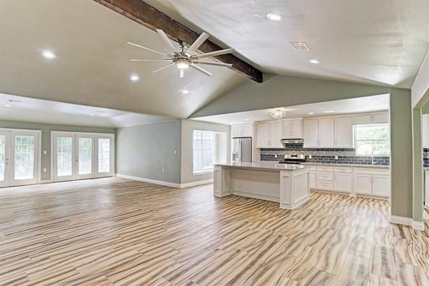 5130 Whittier Oaks, Friendswood, TX - USA (photo 3)