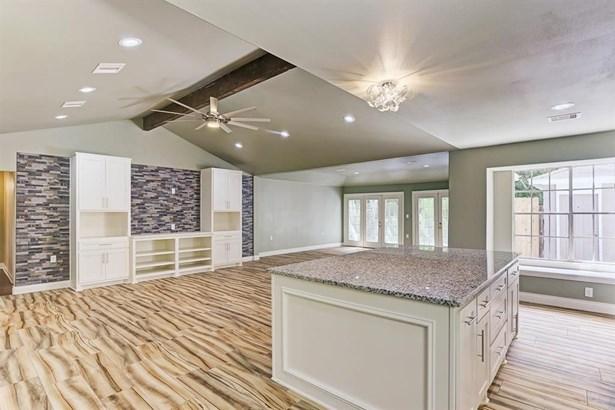 5130 Whittier Oaks, Friendswood, TX - USA (photo 4)