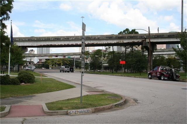 2013 Saint Emanuel, Houston, TX - USA (photo 3)