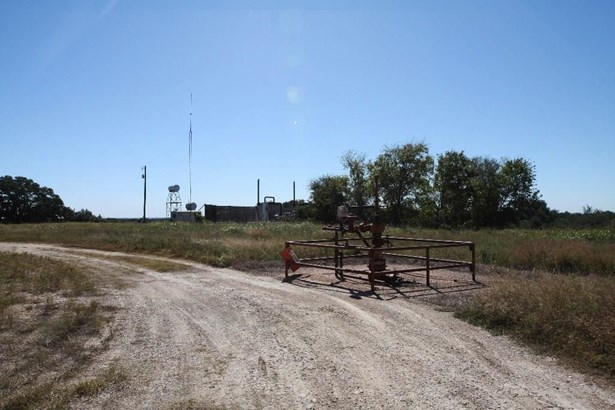 000 Mueller/cottonwood, La Grange, TX - USA (photo 2)
