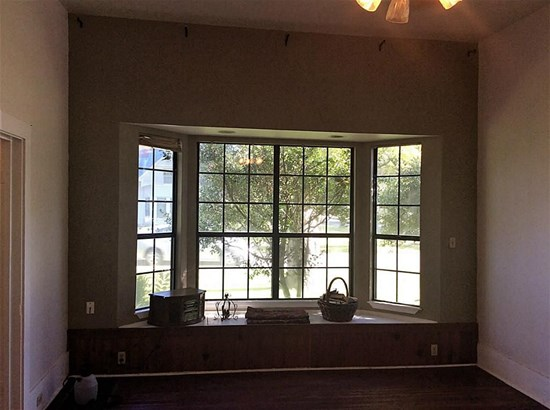 407 Gresham, Smithville, TX - USA (photo 4)