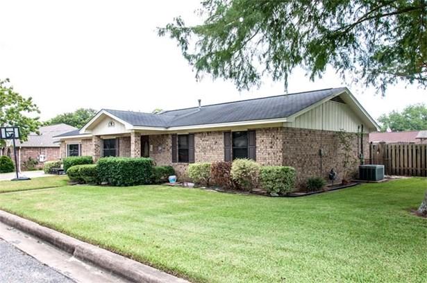 114 Ridgecrest, Hallettsville, TX - USA (photo 1)