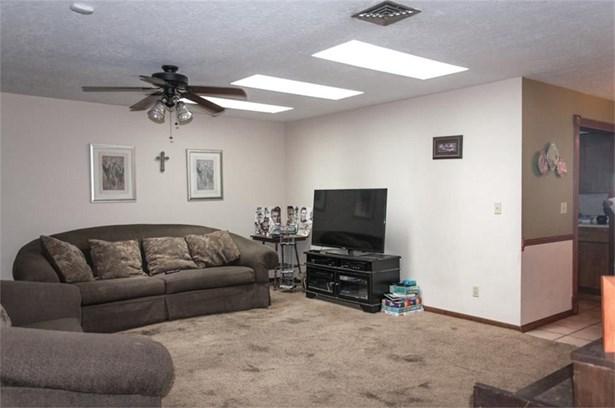 114 Ridgecrest, Hallettsville, TX - USA (photo 3)
