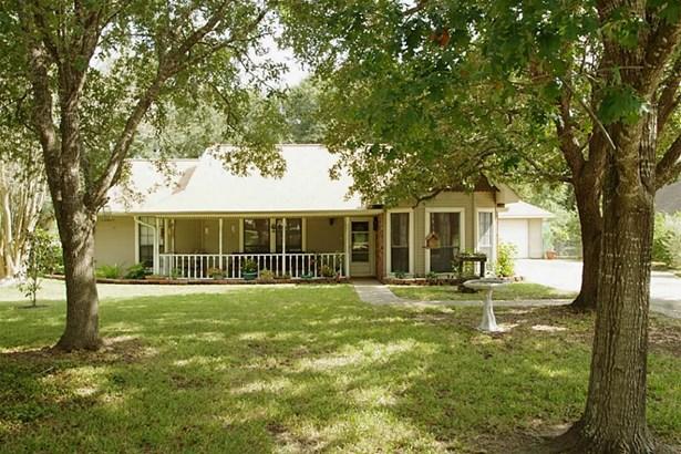 201 Briarwood, Bellville, TX - USA (photo 1)