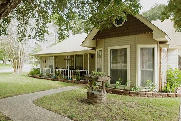 201 Briarwood, Bellville, TX - USA (photo 2)