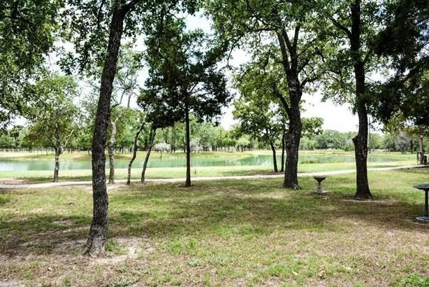 6970 Round Top, Carmine, TX - USA (photo 3)