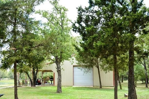 6970 Round Top, Carmine, TX - USA (photo 5)