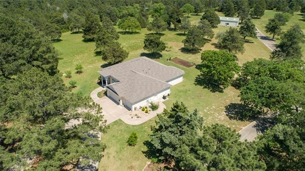 215 Pine Valley Dr., New Ulm, TX - USA (photo 4)