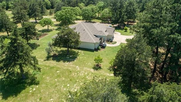 215 Pine Valley Dr., New Ulm, TX - USA (photo 5)