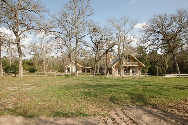 402 Sikes, Bellville, TX - USA (photo 4)