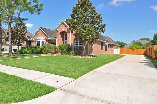 1304 Cambridge, Friendswood, TX - USA (photo 2)