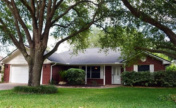 2311 Katherine, Brenham, TX - USA (photo 1)
