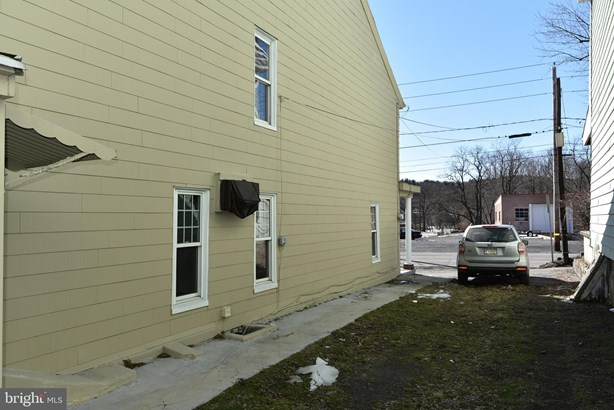 Twin/Semi-detached, Traditional - PORT CARBON, PA (photo 5)
